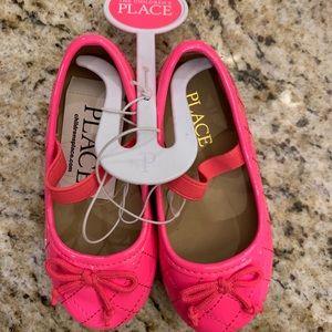 NWT Children's Place toddler size 6 hot pink shoes